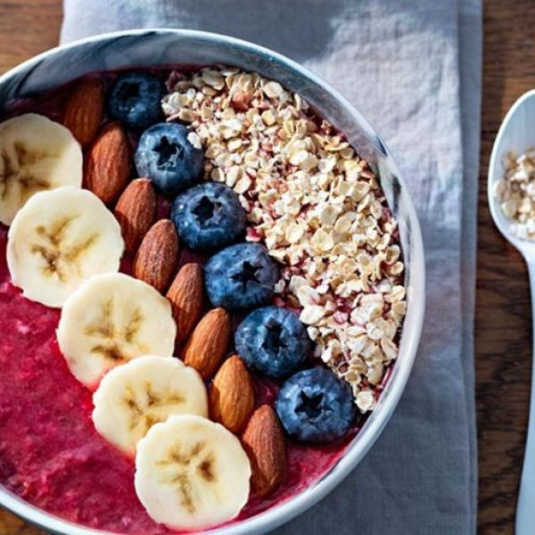 smoothie-bowl-fruits-et-cereales